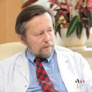 Pacjenta leczy lekarz, nie aparat ikomputer
